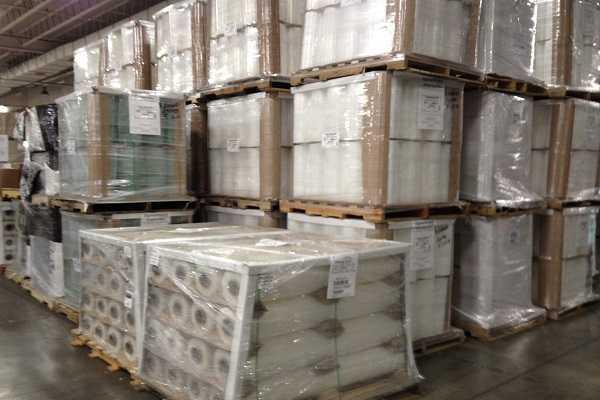 Màng PE 2.2 lõi 0.9- D50 giúp vận chuyển hàng hóa để chống trầy xước